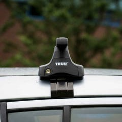 Thule Rapid Fit with Traditional Black Bar Hilux Mk8 D/C Only