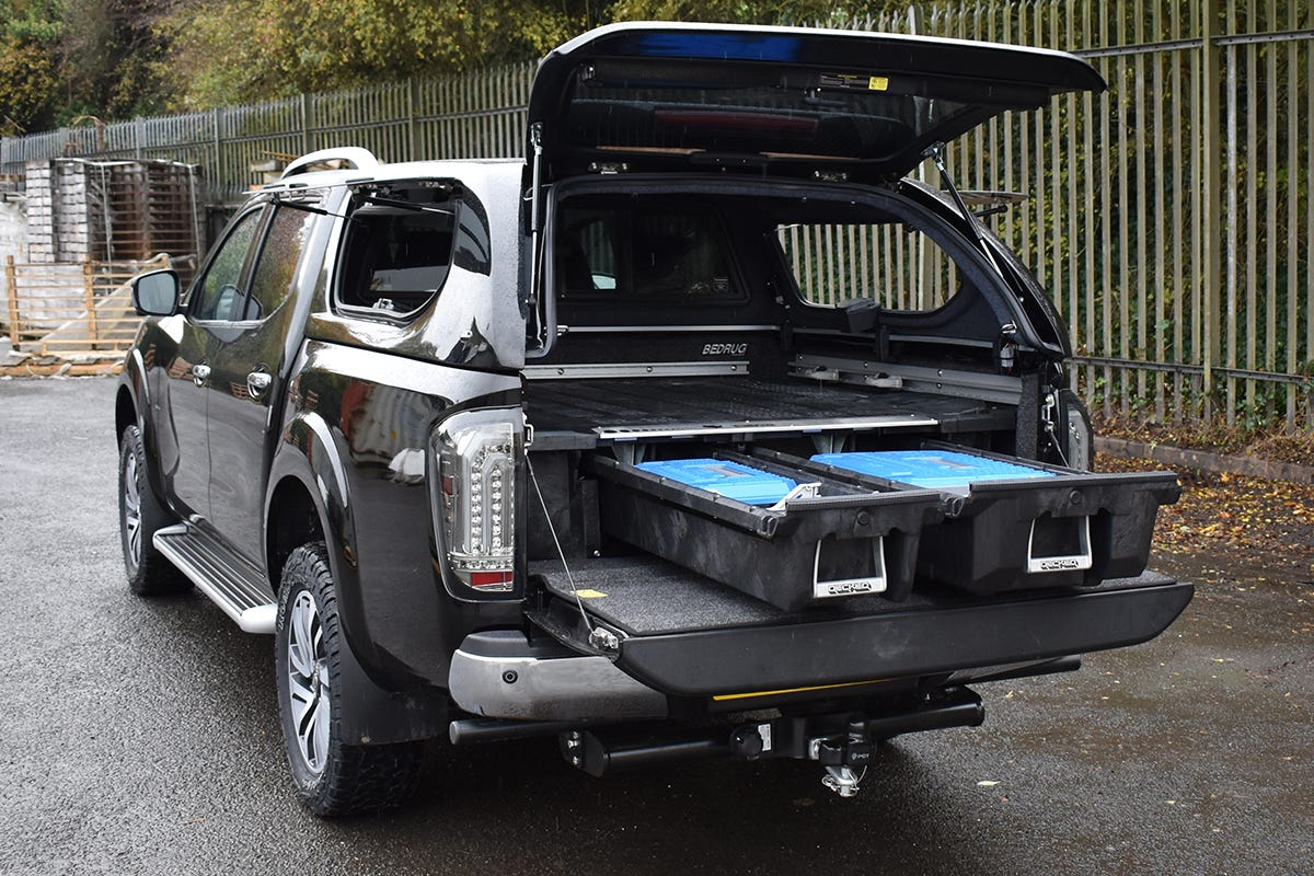 DECKED Drawer System with a Truckman S-Series Hardtop