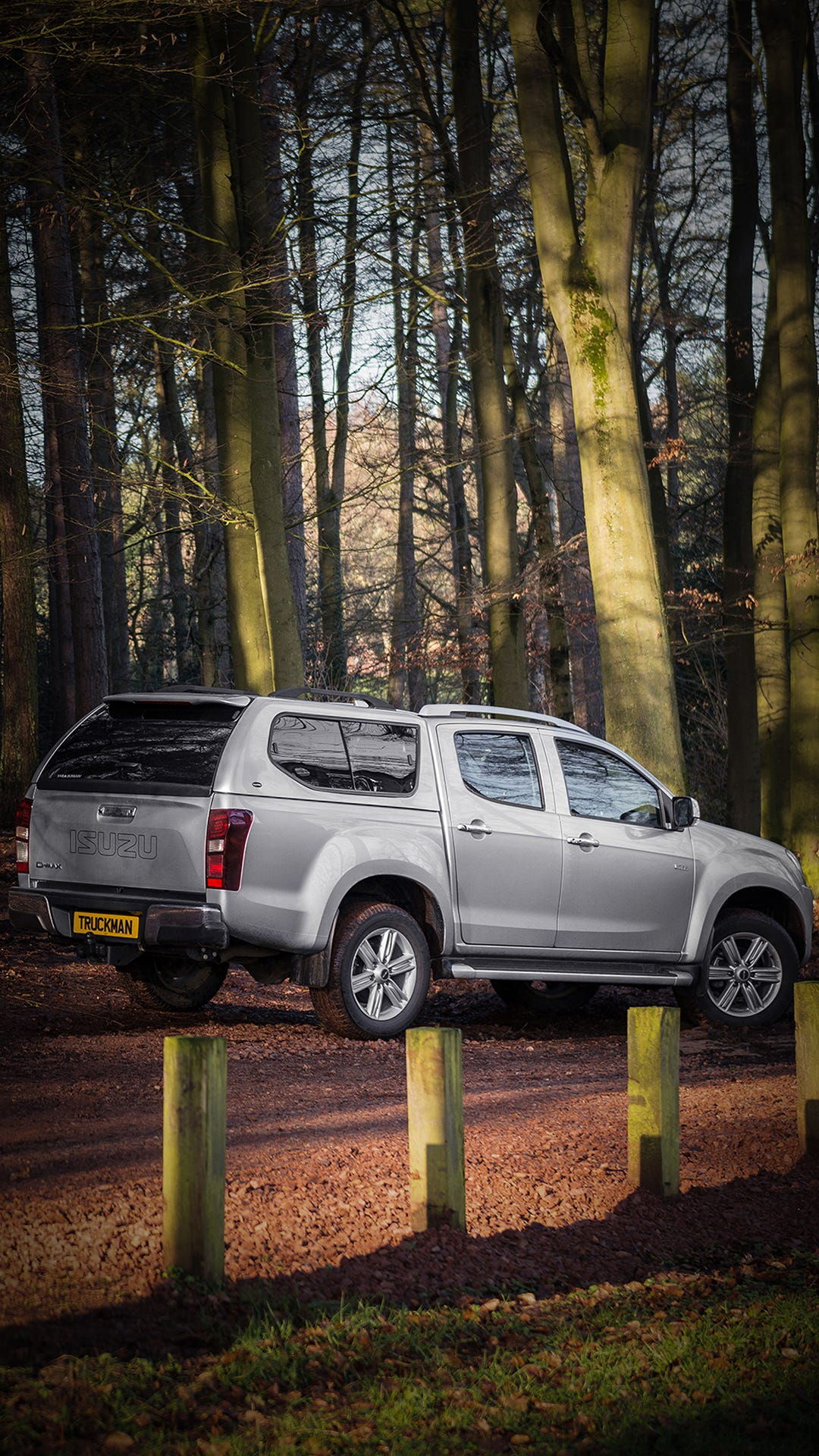 Isuzu D-Max Double Cab Fitted With a Truckman GLS Hardtop Canopy (Portrait)